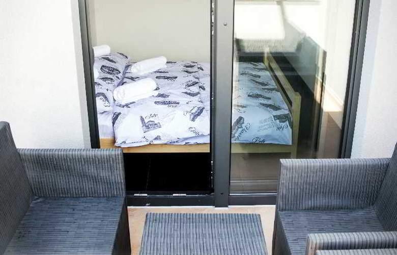 Hostel Moving - Room - 9