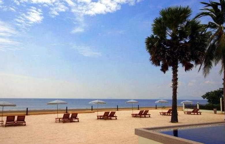 The Beach Boutique Resort - Beach - 3