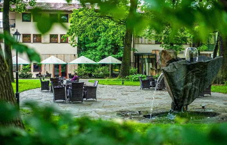 Farmona Hotel Business & SPA Hotel - Terrace - 82