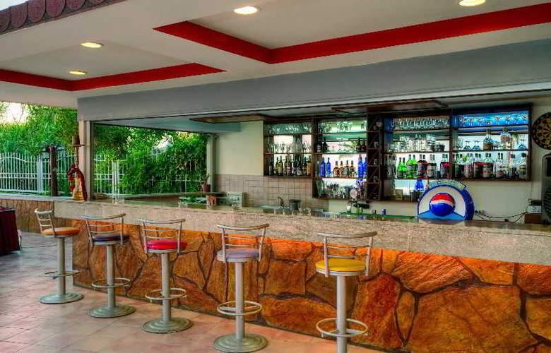 Valeri Beach Hotel - Bar - 9