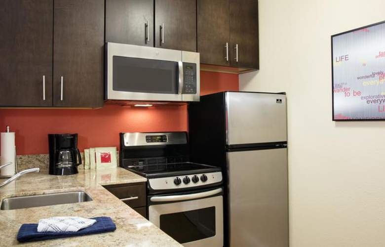 TownePlace Suites by Marriott Orlando at Flamingo Crossings/Western Entrance - Room - 11