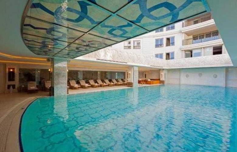 CVK Park Bosphorus Istanbul - Pool - 69