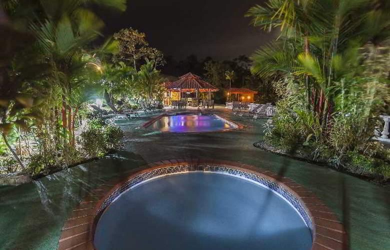 GreenLagoon Wellbeing Resort - Bar - 28