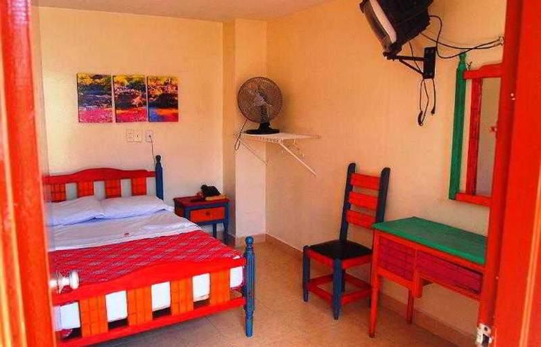Hotel Conquistadores - Room - 3
