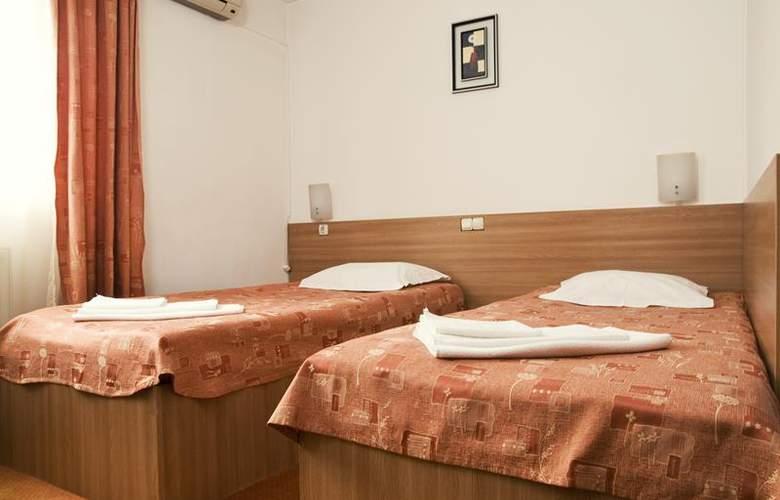 Est Bucharest - Room - 8