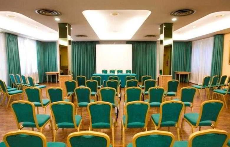 Culture Hotel Villa Capodimonte - Conference - 9