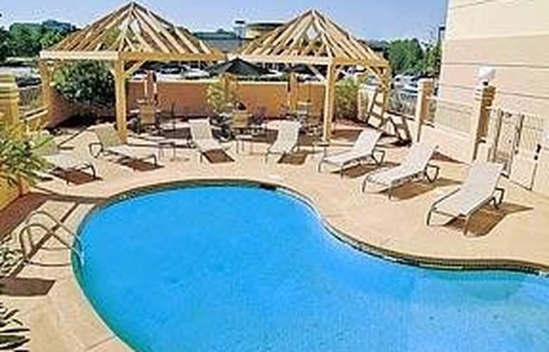 Comfort Suites Northlake - Pool - 6