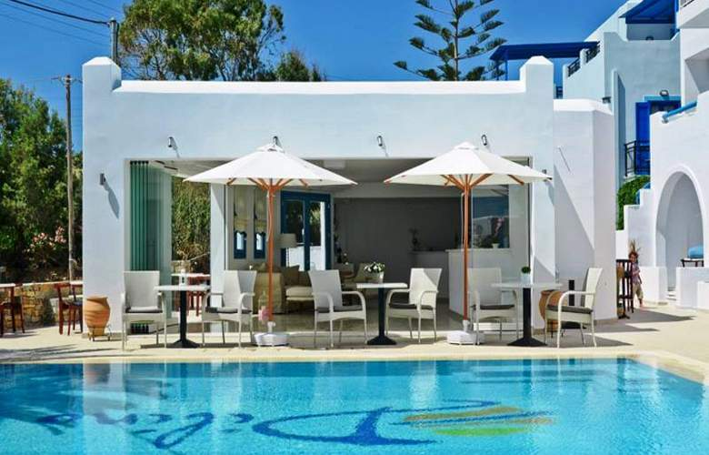 Dilino Hotel Studios - Pool - 7