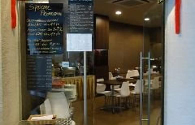 Ibis Budget Singapore Bugis - Restaurant - 8
