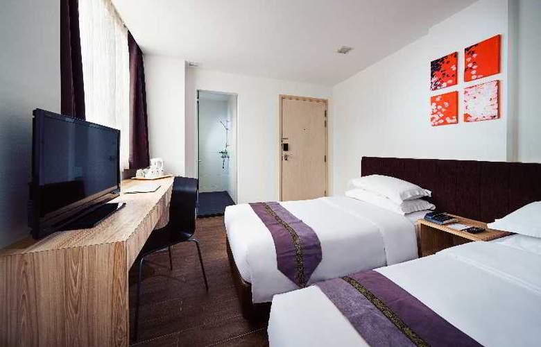 Soluxe Inn - Room - 12