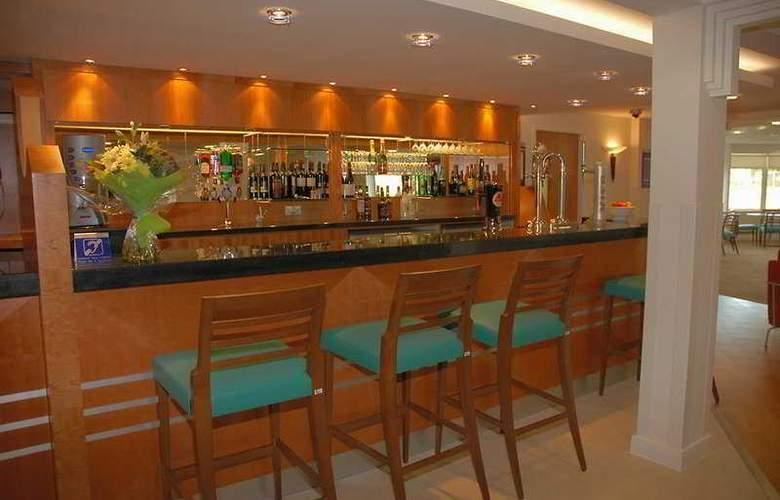 Holiday Inn Express Ramsgate Minster - Bar - 5