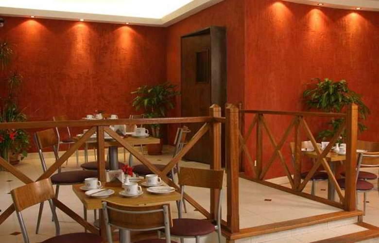 Gran Hotel Orly - Restaurant - 4