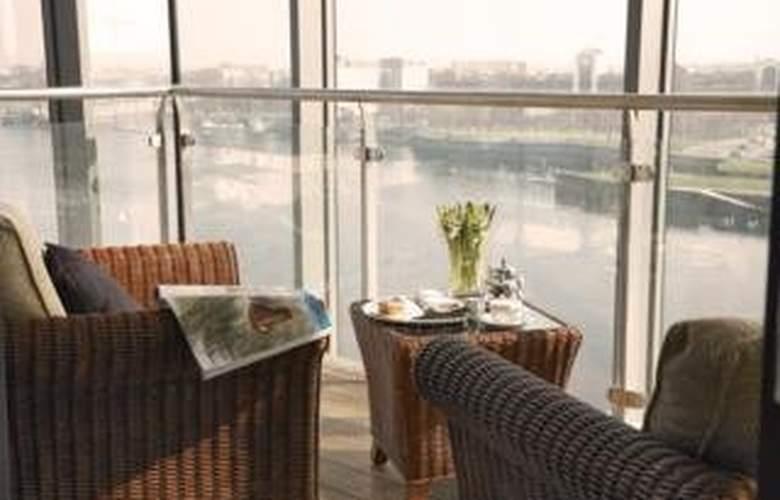Limerick Strand Hotel - Terrace - 10