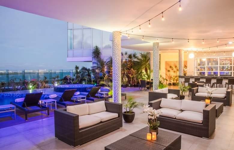 Fiesta Inn Cancun Las Americas - Terrace - 7