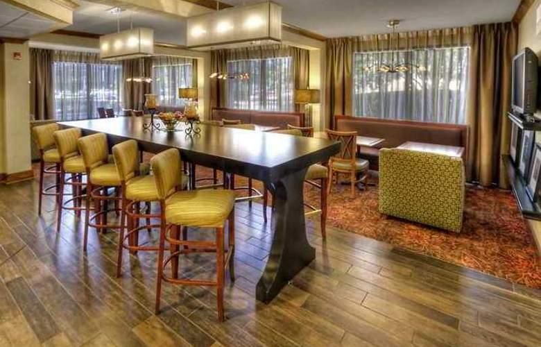 Hampton Inn Memphis-Poplar - Hotel - 0