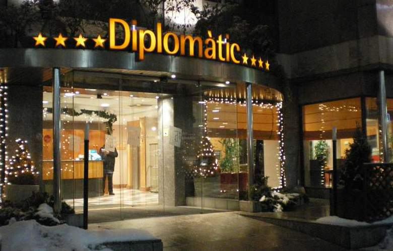 Zenit Diplomatic - Hotel - 0