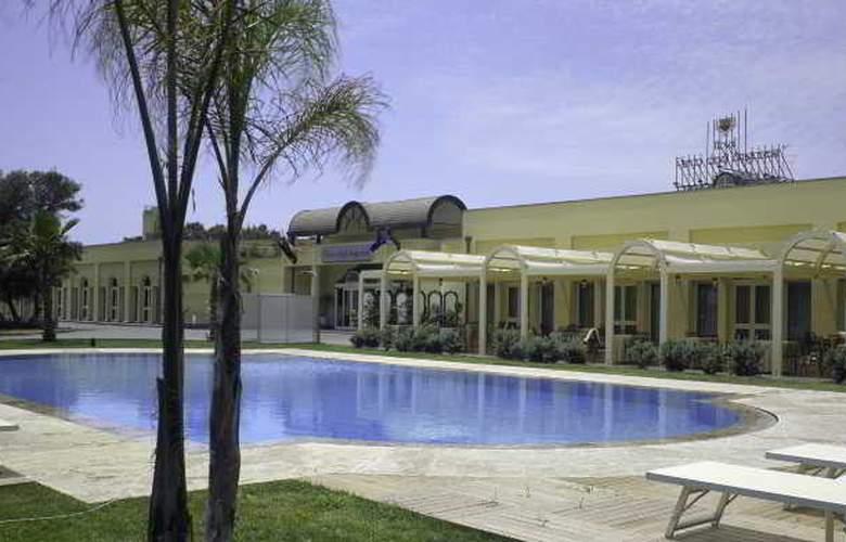 NH Parco Degli Aragonesi - Pool - 26
