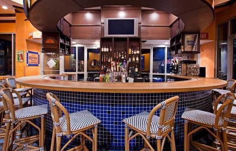 Crowne Plaza Melbourne Oceanfront - Restaurant - 30