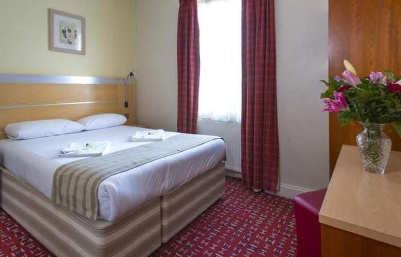St. Georges Inn Victoria - Room - 1