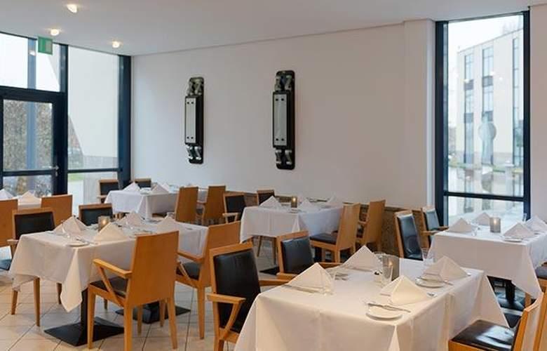 Tryp Dusseldorf Airport - Restaurant - 29