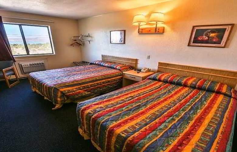 Super 8 Lake Havasu City - Room - 2
