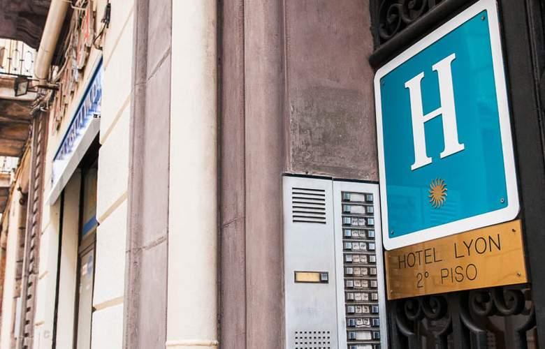 Lyon - Hotel - 0