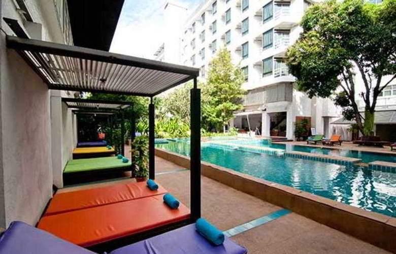Sandalay Resort Pattaya - Pool - 20