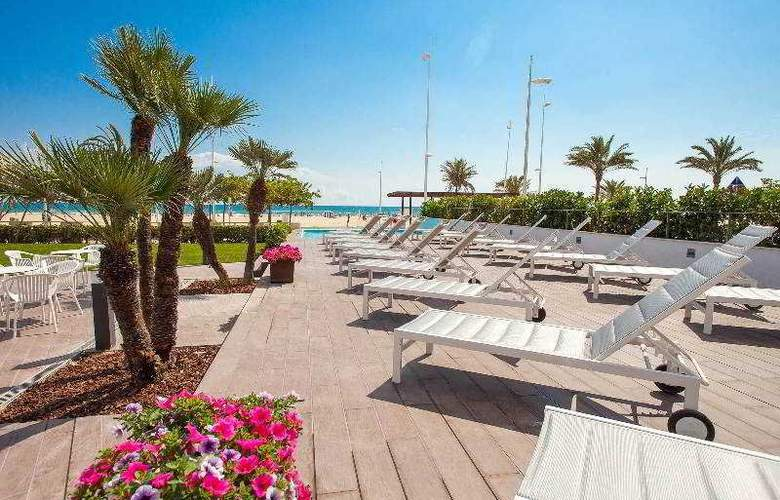 Hotel rh bayren desde 153 gandia for Terrace 45 qc