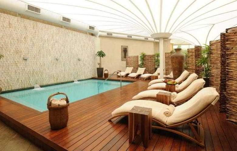 Radisson Blu Hotel Waterfront, Capetown - Pool - 5