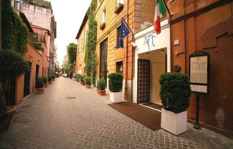 Art by the Spanish Steps - General - 1