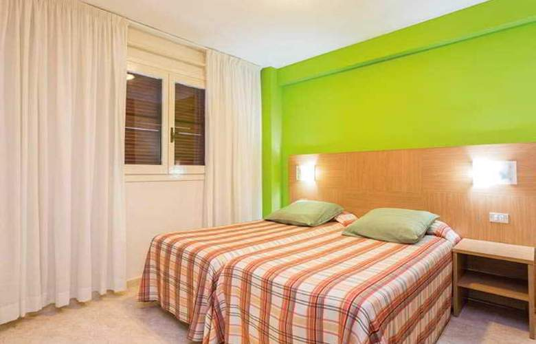 California Apartamentos - Room - 11