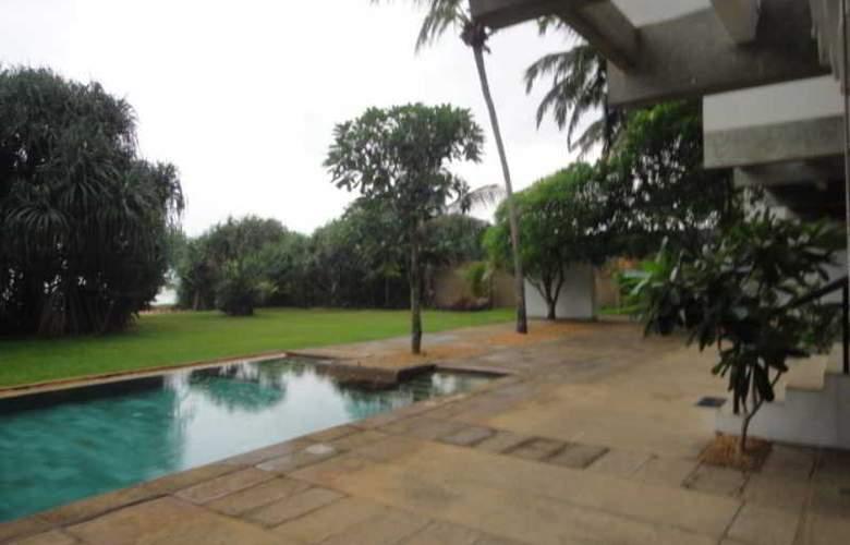 Temple Tree Resort - Pool - 12
