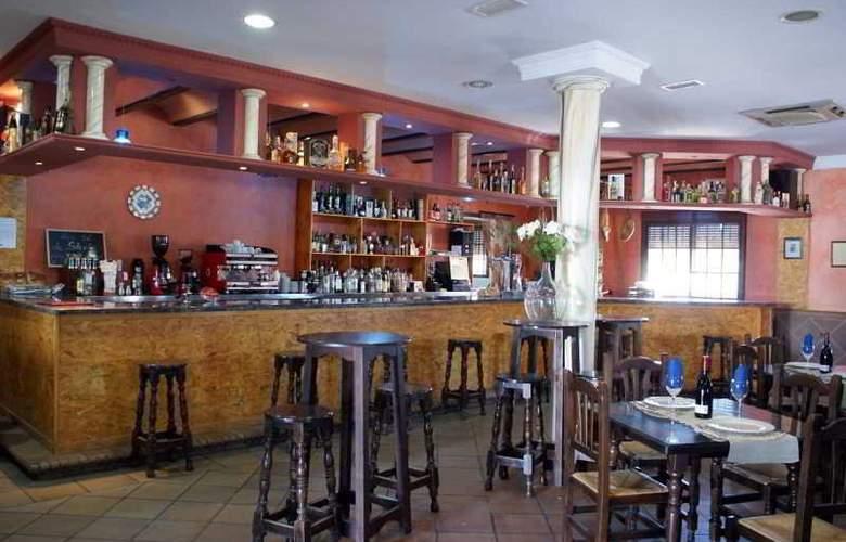 Hotel Restaurante La Plata - Bar - 1
