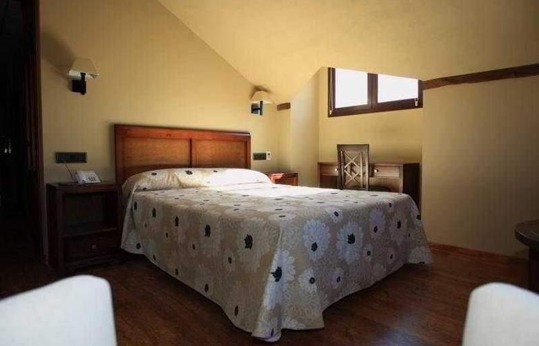 Zerbinetta - Room - 7