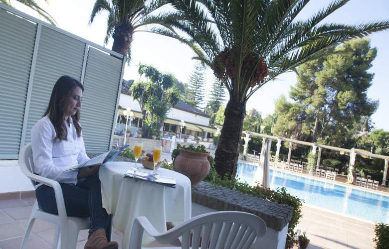 Jerez & Spa - Terrace - 8
