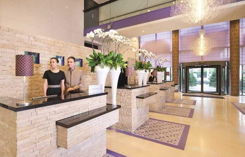 Crowne Plaza Paris - Neuilly - Hotel - 0