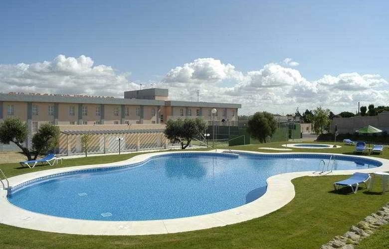 Gran Hotel Ciudad del Sur - Pool - 4