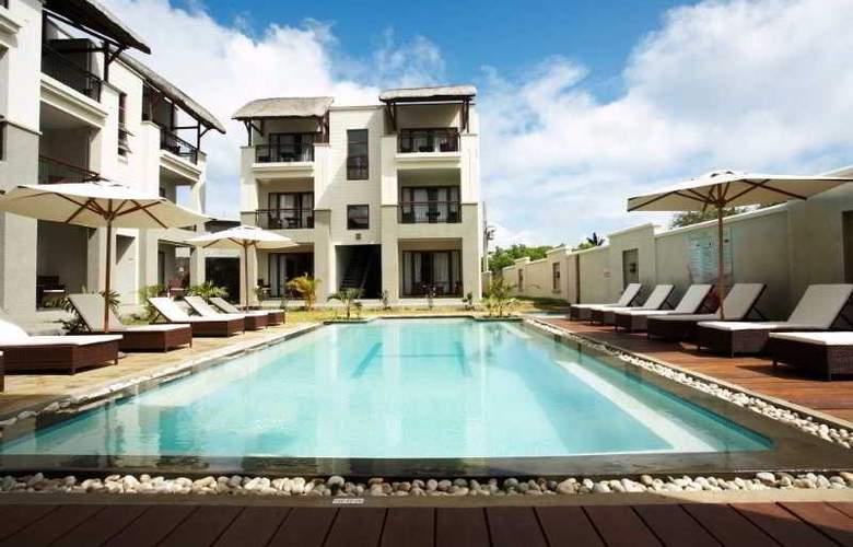 Grand Baie Suites - Pool - 8