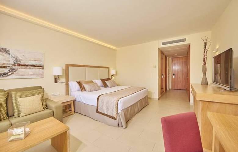 Blau Privilege Porto Petro Beach Resort & Spa - Room - 1