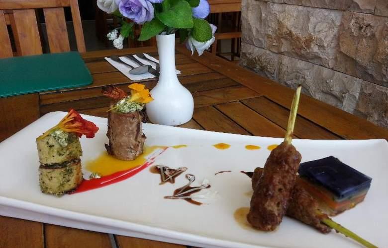 Best Western Resort Kuta - Restaurant - 40