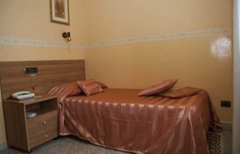Casa La Salle - Room - 9