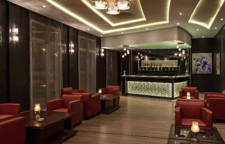 Atlas Sky Airport Hotel - Bar - 22