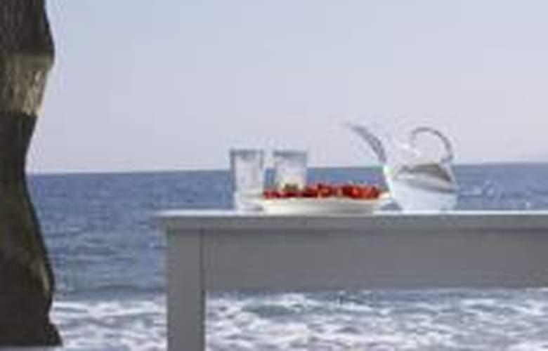 Thalassa Resort Santorini - Beach - 3