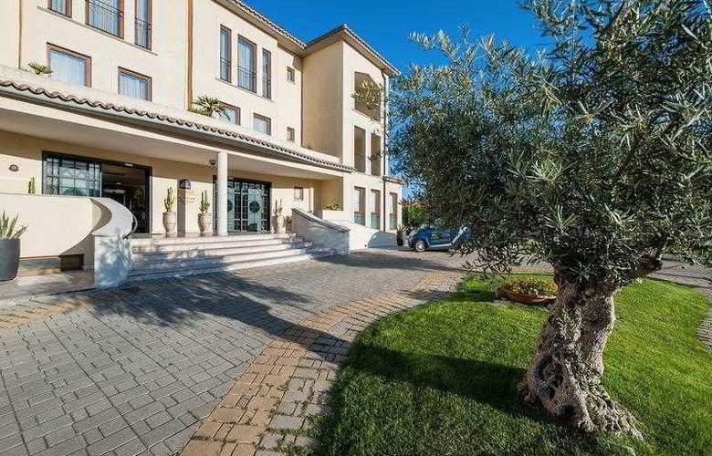 BEST WESTERN PREMIER Villa Fabiano Palace Hotel - Hotel - 2
