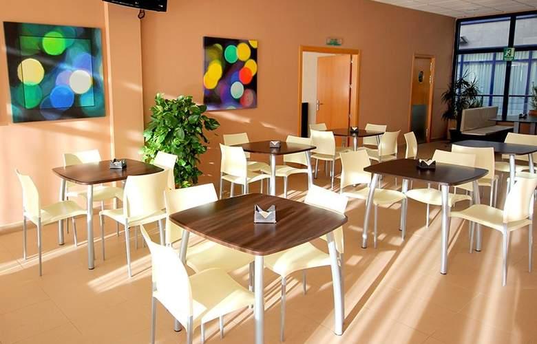 Exe Sevilla Palmera - Restaurant - 4