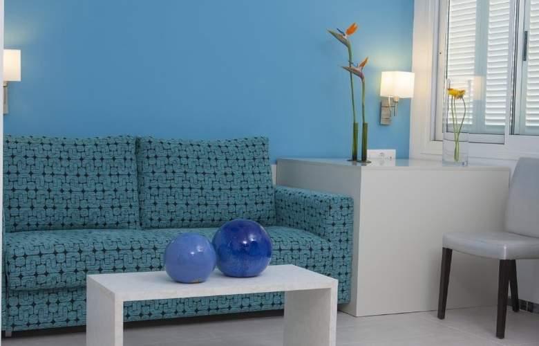 Hoposa Daina Apartamentos - Room - 9