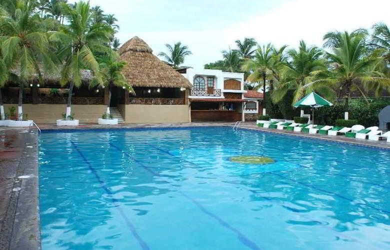 Vista Playa de Oro All Inclusive - Pool - 7
