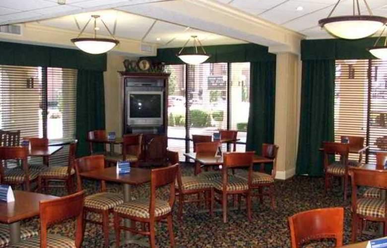 Hampton Inn Joplin - Hotel - 4