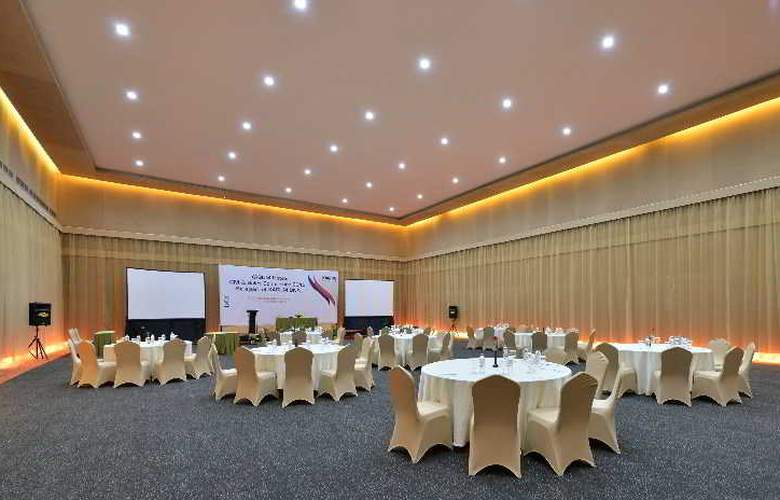 Oaktree Emerald Semarang - Conference - 24