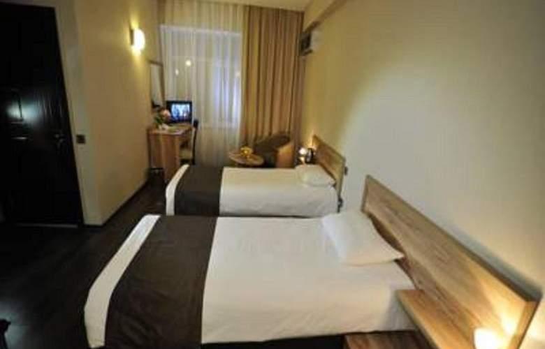 Diplomat Hotel - Room - 9